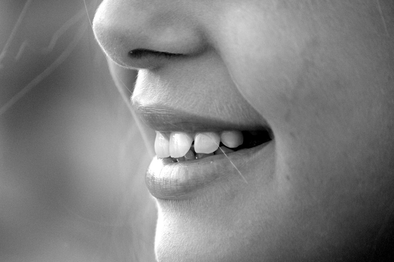Poche regole per una dentatura sana